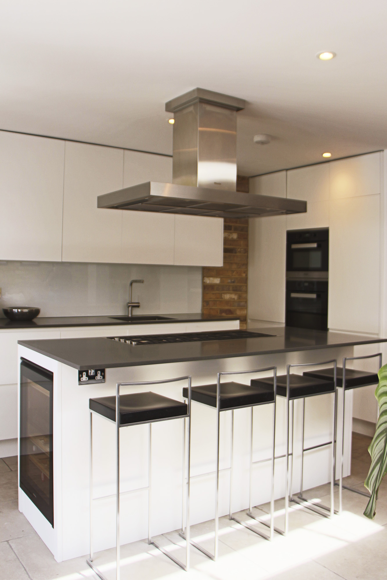 - marchini-architecture.com, - Putney, - loft extension, - basement extension, - rear extension, - front extension, - contemporary cottage, - contemporary Miele kitchen