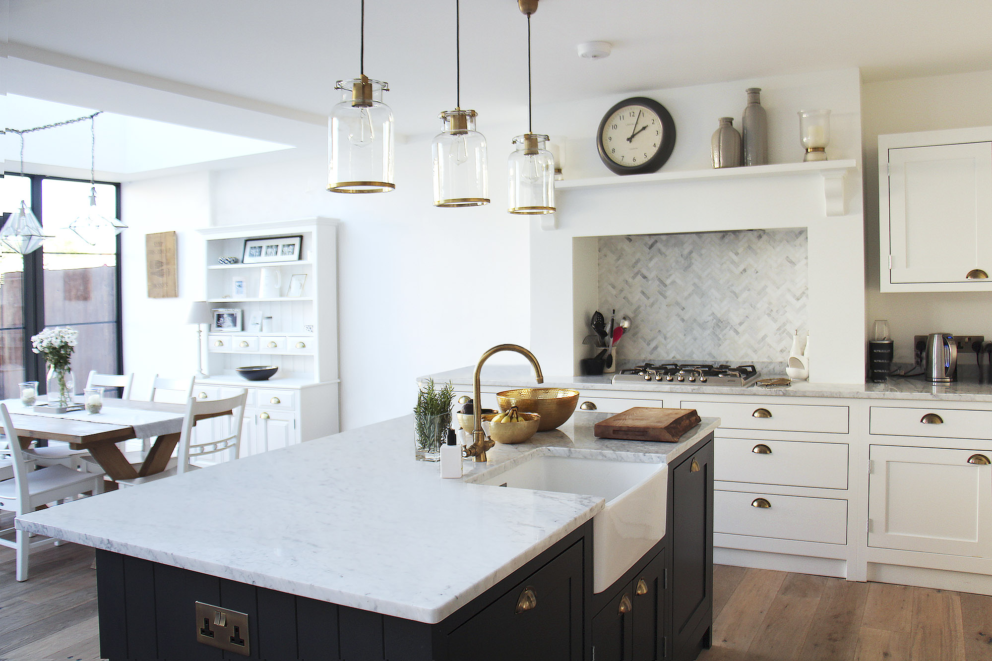 - marchini-architecture.com, - kitchen with marble, - Streatham
