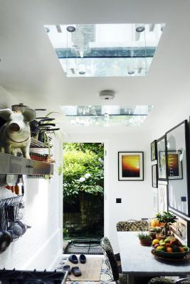 - marchini-architecture.com, - Clapham, -kitchen extension, skylights with mirrors, - skylight