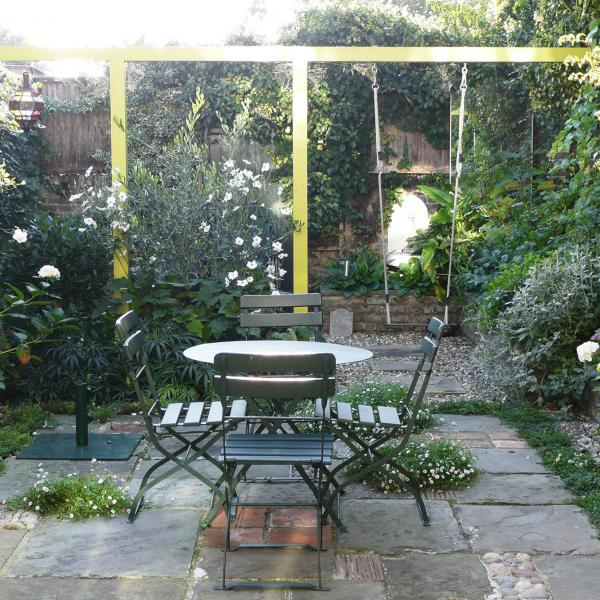 - marchini-architecture.com, - Clapham, - rear extension, - romantic garden, - lush garden, - pergola, -